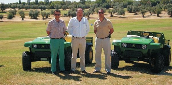 Entrega en Club de Golf Zaudín de dos Multiusos Gator 4X2
