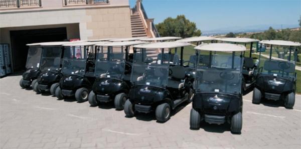 Entrega de 55 Coches de Golf Yamaha G29E negros en La Finca de Villamartín