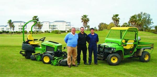 Entrega en Costa Ballena Golf de una Tripleta 2653B y un Multiusos Gator HPX