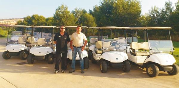 Renovación de flota de Coches de Golf RENT en Alenda Club de Golf con 20 Yamaha G29E blancos.