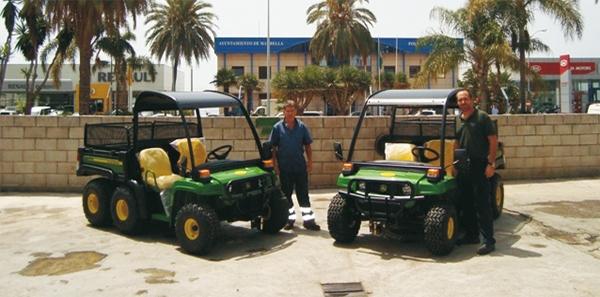 Entrega en el Ayuntamiento de Marbella de dos Multiusos Gator TH6X4
