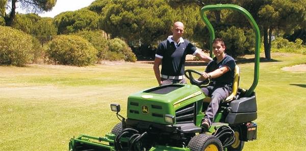 Entrega en Golf Nuevo Portil (Huelva) de una Tripleta 2653B