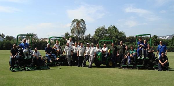 Entrega de parque de maquinaria John Deere en Los Naranjos Club de Golf